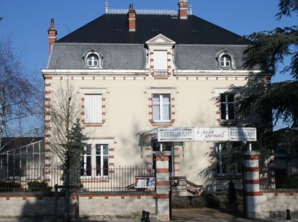 Richard kelley definitive guide to the wines of the loire - Restaurant le jardin gourmand bourges ...